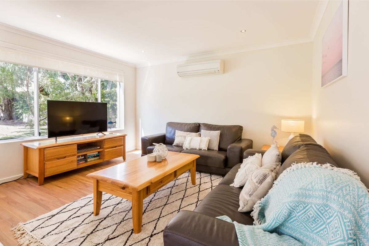 Air conditioned lounge room with Netflix.